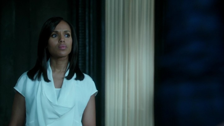 scandal-406-op-armaniblouse-1